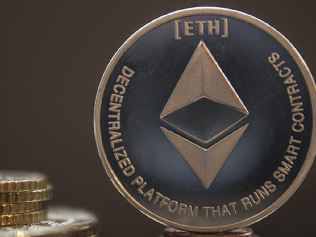 Vitalik Buterin discusses Ethereum scaling issue Rollups could solve.