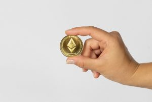 Ethereum exchange deposits drop to 2-year low, as ETH nears its previous ATH