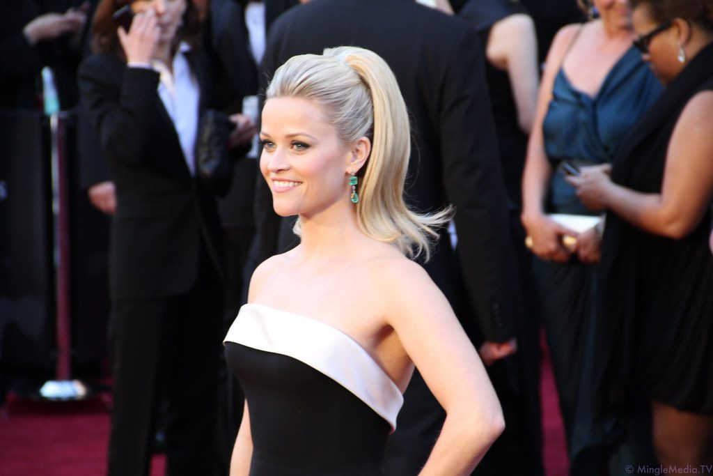 Hollywood actress Reese Witherspoon buys into cryptos by investing in Ethereum tokens. Paris Hilton backs Bitcoin again.